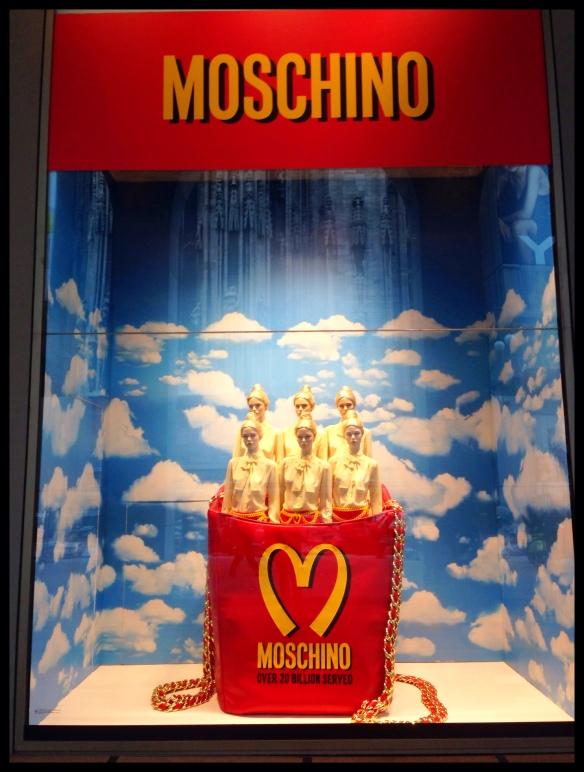 Milan Fashionweek Moschino Windows Rinascente